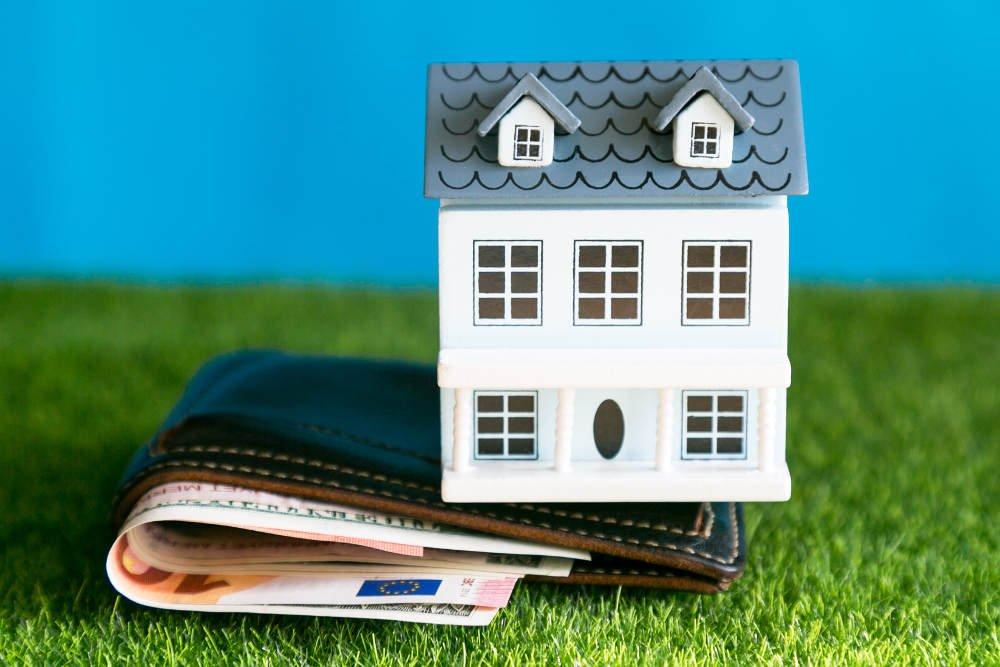 The concept of the cost of maintenance, maintenance and repair of a residential building.