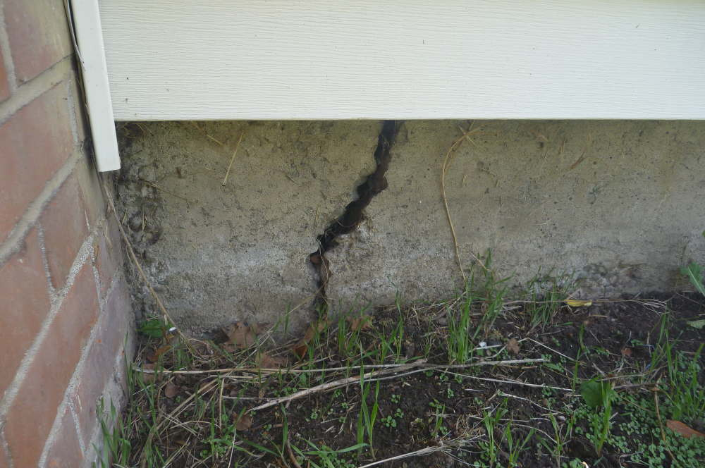 Are Cracks In The Foundation Floor Normal?